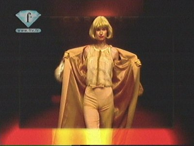 ����������� ��� ��� Hotbird 6 13.0�E // ���� Music ONE-Ru TV--���� Fashion TV